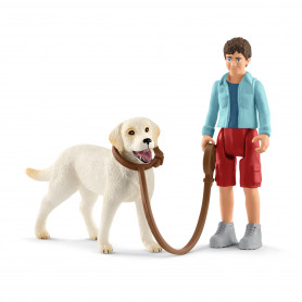Schleich 42478 Walking with Labrador retriever