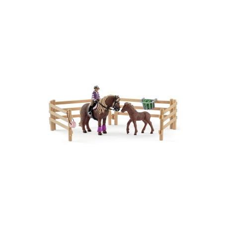 Schleich 42363 Ruiter met Ijslandse ponys, voedsel en hekken
